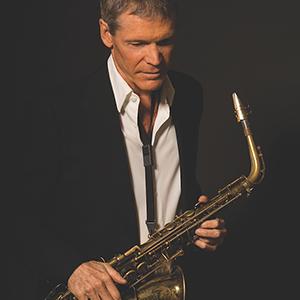 photo of David Sanborn holding a saxophone