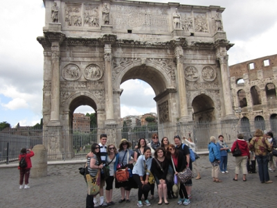 Image of students in Rome
